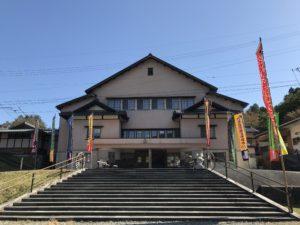 公演当日、蛭子座前には『歌舞伎のぼり』が立ち並びます。